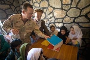 Admiral Mike Mullen attends school opening in Pushghar. (Photo: US Dept. of Defense, US Navy Petty Officer 1st Class Chad J. McNeeley)