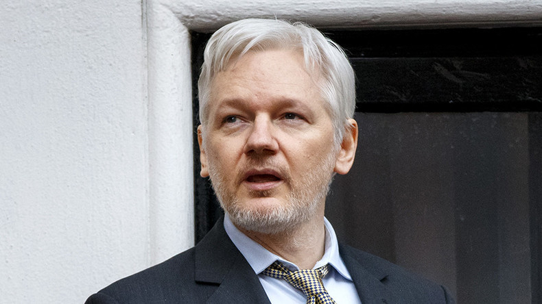 Julian Assange Reveals: Holocaust Denier Is a Trusted 'Friend'